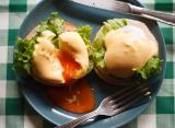 エッグベネディクトは、自宅でも簡単に作ることが可能 ※レシピ本『パンケーキとエッグベネディクト』より