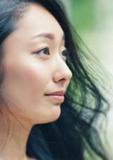 写真集『My Way』で母の顔をみせる安藤美姫