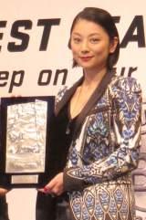 『ベストジーニスト2014』を受賞した小池栄子 (C)ORICON NewS inc.