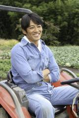 NHKドラマで初の農家役を演じる反町隆史