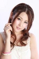 台湾で活躍する日本人タレント・佐藤麻衣が結婚