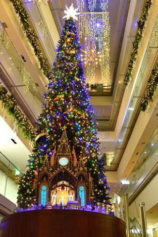 表参道ヒルズのイルミネーション「OMOTESANDO HILLS CHRISTMAS 2014 with Moet&Chandon」が6日スタート!