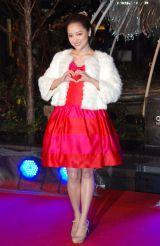 真っ赤なドレスで美脚を披露したchay=『OMOHARA WHITE CHRISTMAS 2014』イルミネーション点灯式 (C)ORICON NewS inc.