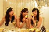 真っ白なセレブ風クリスマス女子会に潜入  ホワイトパーティに参加した(左から)角谷暁子さん、西村萌さん、水谷映里さん(C)oricon ME inc.