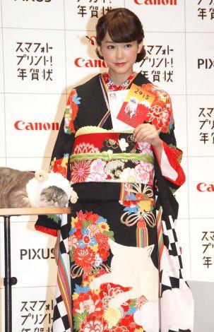 キュートな猫柄の着物姿で登場した桐谷美玲 (C)ORICON NewS inc.