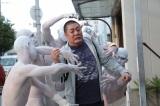 白塗りの人で統合失調症の幻覚を表現するなど、さまざま挑戦が見られる特集ドラマ『悪夢』(C)NHK