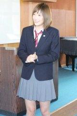『アオハライド』でキラキラした高校生ヒロインを演じた本田翼の制服姿