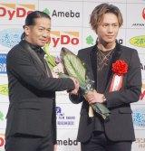 『第39回 報知映画賞』表彰式に出席した(左から)HIRO、登坂広臣 (C)ORICON NewS inc.