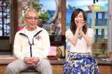 『はじめてのおつかい!爆笑!!25年記念スペシャル』では撮影の裏側を初公開(左から)所ジョージ、森口博子 (C)日本テレビ