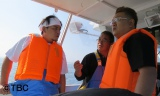 """船上で漁師さんの話を聞く 1月25日放送の『これが東北魂だ 川と海と大地の恵み""""幻の味""""を探せ!』より (C)TBC"""