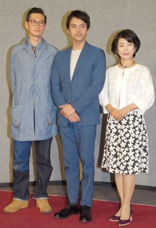 ドラマ『お葬式で会いましょう』の会見に出席した(左から)井浦新、満島真之介、市毛良枝 (C)ORICON NewS inc.