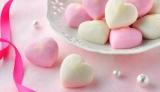 阿部蒲鉾店(宮城県仙台市)が2月1日に数量限定で発売する、バレンタインデー向けのかまぼこ『ピュア・ハート』