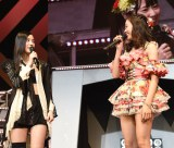SKE48とNMB48のシングル同日発売に驚きを隠せない(左から)松井珠理奈、渡辺美優紀(C)AKS