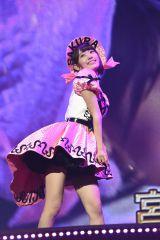 宮脇咲良=『AKB48リクエストアワー セットリストベスト1035 2015』4日目夜公演(C)AKS