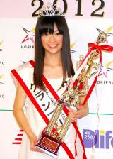 『第37回ホリプロタレントスカウトキャラバン』でグランプリを受賞した菅野莉奈さん (C)ORICON DD inc.
