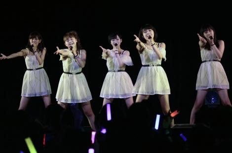 「ファーストライブツアー 2014~2015 News=News~各地よりお届けします!~」東京公演の模様