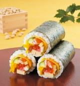 煮穴子など全10種類の具材を使った「海鮮恵方巻」(518円)