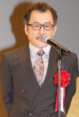 池松壮亮のお祝いに駆けつけた『MOZU』共演者の吉田鋼太=『2015年エランドール賞』授賞式 (C)ORICON NewS inc.
