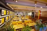 『TOWER RECORDS CAFE』/住所:渋谷区神宮前6-3-9 井門原宿ビル2F、オープン日:1月19日、営業時間:11時〜23時 ※(ランチ)11:00〜17:00、(ディナー)17:00〜23:00/ランチは定食700円から用意。その他、Tシャツやマグカップなどのグッズも多数展開