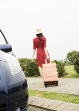 帰省時、実家や地元の友人の車を運転する際に役立つ「ドライバー保険」とは?