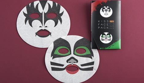 『KISSフェイスパック』(ジーン・シモンズ&エリック・シンガー)2枚入り/税込900円