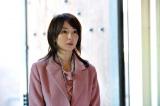 『結婚に一番近くて遠い女』(3月6日放送)に謎の女性として登場する稲森いずみ (C)日本テレビ