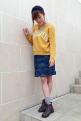90年代半ばに流行したルーズソックスが再び注目を集めている 私服に取り入れた様子(チュチュアンナ)