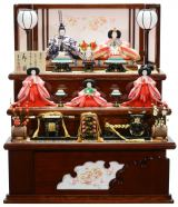 収納飾り「桜刺繍雪輪抜き収納五人飾り」(雅工房)