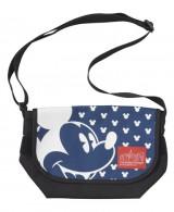 「マンハッタン ポーテージ」がプロデュースしたバッグが、東京ディズニーシー限定で登場(メッセンジャーバッグL/税込1万5800円) (C)Disney