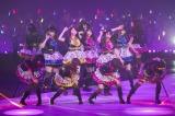 日本武道館で行われた『NMB48 Arena Tour 2015〜遠くにいても〜』千秋楽より(C)NMB48