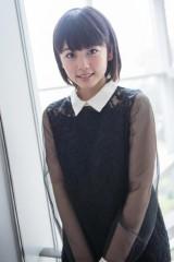 金曜ナイトドラマ『セカンド・ラブ』(テレビ朝日系)では自身と正反対の役柄を演じる、17歳・現役女子高生の小芝風花(写真:鈴木一なり)