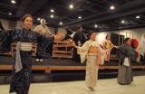 オープニングでは迫力のあるダンスパフォーマンスを披露。(C)De-View