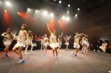 600回記念公演の終盤で「ハレハレ☆パレード」を初披露したLinQ