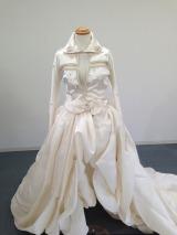 昨年のパリ・コレクションで話題となった「明日を夢見るドレス」