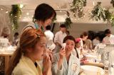 女性たちがすっぴんになって正しいスキンケアを体験した「オフ&ケア Special Night」