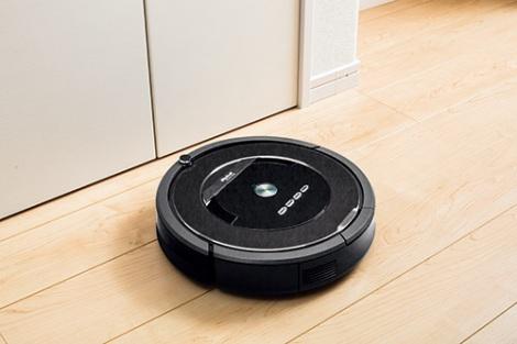 掃除ロボットが続々登場。迎え撃つ『ルンバ』は…