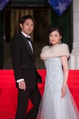 ドラマ『美女と男子』に主演する仲間由紀恵と町田啓太(C)NHK