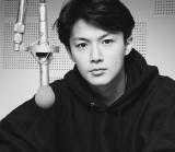 """22歳当時の""""すっぴん""""写真を採用した『魂リク』初回限定盤"""