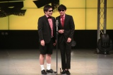 単独ライブで初漫才を披露した8.6秒バズーカーのはまやねん(左)と田中シングル(右)