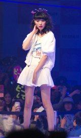 『nicola 東京開放日2015』でランウェイを歩く小山内花凜 (C)ORICON NewS inc.