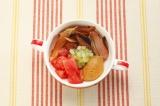 沖縄の家庭の味かちゅー湯は、自在にアレンジもOK 「トマトとセロリのかちゅー湯」 ※写真提供:ヤマキ