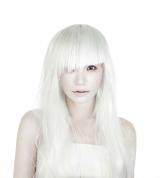 アルバム名どおり『WHITE』なSuperfly