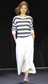 初開催された大人女性向けビューティーイベント『東京ミュゼ』ファッションショー 【theory luxe】すみれ 写真:鈴木かずなり)