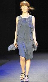 初開催された大人女性向けビューティーイベント『東京ミュゼ』ファッションショー 【theory luxe】鈴木六夏 写真:鈴木かずなり)