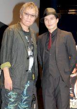 映画『極道大戦争』トークショーに出席した(左から)三池崇史監督、市原隼人(C)ORICON NewS inc.