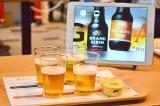 リニューアルしたクラフトビール『グランドキリン』&『グランドキリン ジ・アロマ』の試飲会では、チョコレートとチーズケーキを酒の肴として提案 (C)oricon ME inc.
