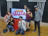 吉田尚記アナのニコ生新番に出演した(左から)真鍋摩緒、吉田尚記、有村昆、コトブキツカサ、八雲ふみね、JIRO