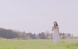 千葉県内の草原で撮影されたMVより