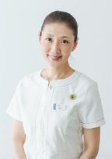 ニールズヤード レメディーズ プリンシパルセラピスト トレーナーの栗山貴美子さんによる、スキンブラッシングのコツを学ぶ ボディケアレッスンも