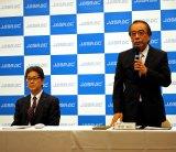 会見を行ったJASRACの北田暢也常務理事、菅原瑞夫理事長(写真左から)